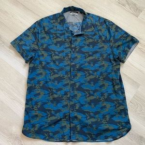 Reaction by Kenneth Cole Button Up Tee